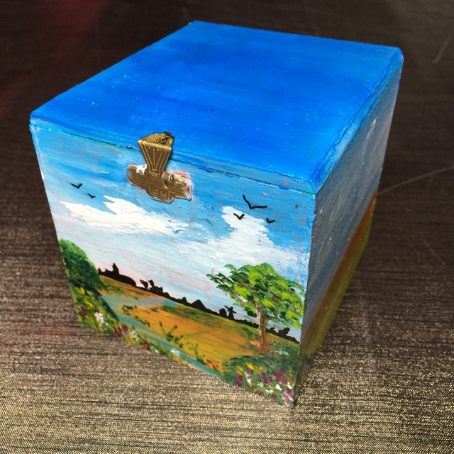 Sigar box with landscape by Janet Plantinga