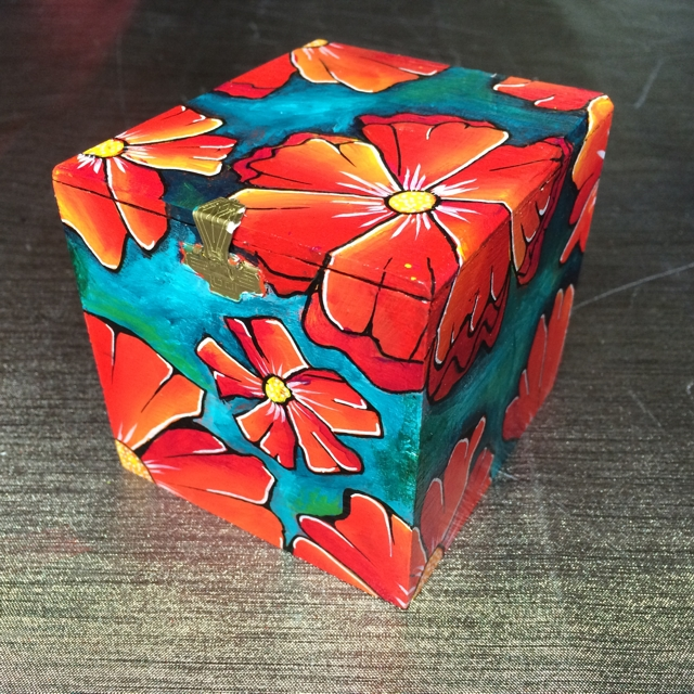 Sigar box with red flowers 2 by Janet Plantinga