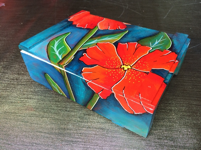Sigar box with red flowers 3 by Janet Plantinga