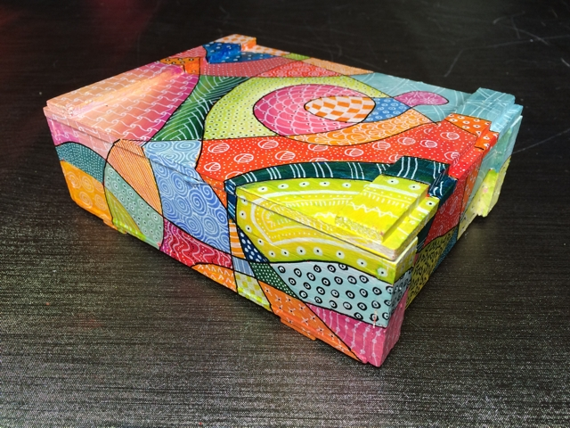 Sigar box with tangles 2 by Janet Plantinga